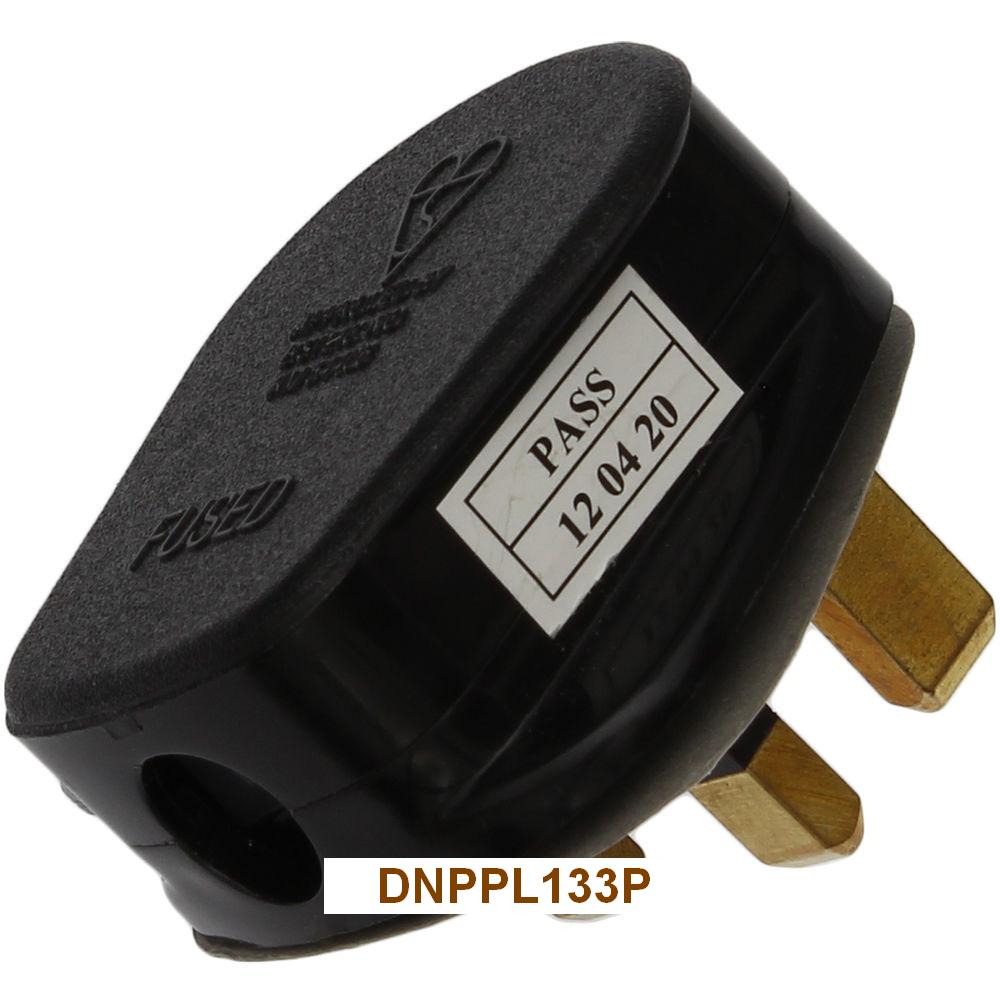 13 amp 3 Pin fused Plug is Manufactured to BS1363 - Rewireable and Cord Grip